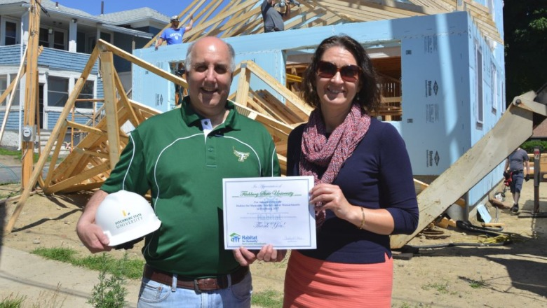 Fitchburg State volunteers for Habitat for Humanity
