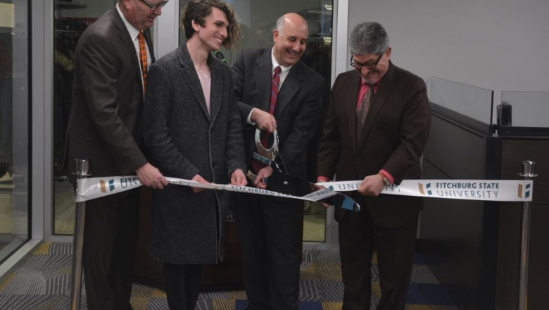 University, city cut ribbon on ideaLab and game design studio